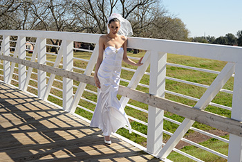 outdoor bridal portrait in Sugar Land TX
